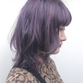 ミディアム ストリート アッシュ パープル ヘアスタイルや髪型の写真・画像
