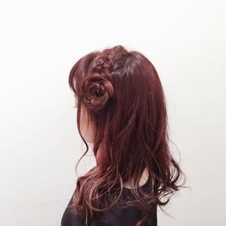 ガーリー インナーカラー 簡単ヘアアレンジ 甘め ヘアスタイルや髪型の写真・画像