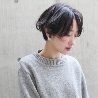 リラックス 簡単 ショート ナチュラル ヘアスタイルや髪型の写真・画像