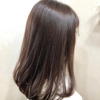 グレージュ ナチュラル アディクシーカラー ロング ヘアスタイルや髪型の写真・画像