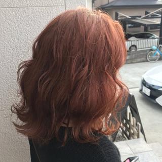 セミロング ストリート オレンジカラー 外国人風カラー ヘアスタイルや髪型の写真・画像