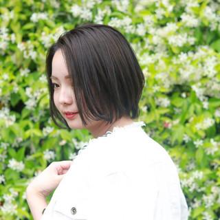 ショート 透明感カラー ミルクティーグレージュ ブリーチなし ヘアスタイルや髪型の写真・画像