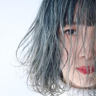 アッシュグレージュ ナチュラル ブルーアッシュ 外ハネボブ ヘアスタイルや髪型の写真・画像