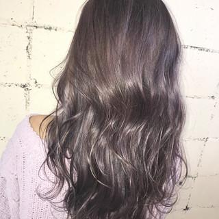 ハイライト セミロング ハイトーン フェミニン ヘアスタイルや髪型の写真・画像