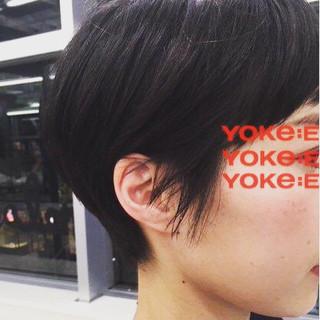 ウェットヘア 暗髪 耳かけ ショート ヘアスタイルや髪型の写真・画像