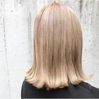 ミディアム ミニボブ ロブ ガーリー ヘアスタイルや髪型の写真・画像