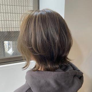 オリーブカラー オリーブグレージュ ボブ オリーブベージュ ヘアスタイルや髪型の写真・画像