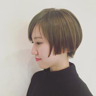 外国人風 アッシュ イルミナカラー ショート ヘアスタイルや髪型の写真・画像