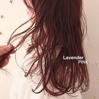 フェミニン ロング ゆるナチュラル ゆる巻き ヘアスタイルや髪型の写真・画像