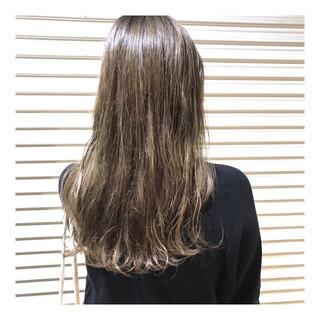 ロング ベージュ ナチュラル 透け感ヘア ヘアスタイルや髪型の写真・画像