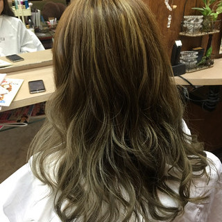 ナチュラル 艶髪 ハイライト ストリート ヘアスタイルや髪型の写真・画像 ヘアスタイルや髪型の写真・画像