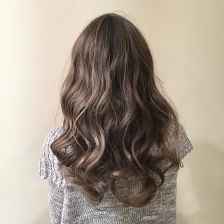 グラデーションカラー イルミナカラー デート エレガント ヘアスタイルや髪型の写真・画像