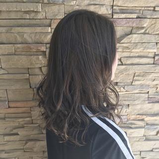 ミディアム 秋 外国人風 透明感 ヘアスタイルや髪型の写真・画像 ヘアスタイルや髪型の写真・画像