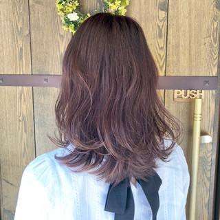 ゆるふわ ベージュ ピンクアッシュ セミロング ヘアスタイルや髪型の写真・画像