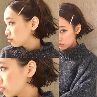 外国人風 黒髪 ショート 暗髪 ヘアスタイルや髪型の写真・画像