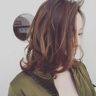 パーマ ナチュラル ミディアム ニュアンス ヘアスタイルや髪型の写真・画像