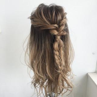ガーリー ハーフアップ ロング ヘアアレンジ ヘアスタイルや髪型の写真・画像 ヘアスタイルや髪型の写真・画像