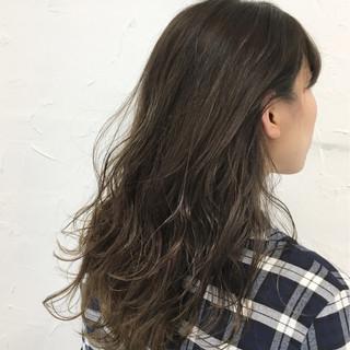 外国人風 アッシュ ハイライト セミロング ヘアスタイルや髪型の写真・画像