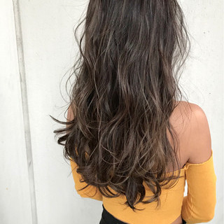 ヘアアレンジ ナチュラル ハイライト インナーカラー ヘアスタイルや髪型の写真・画像