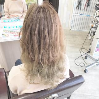 ナチュラル ミルクティーベージュ グラデーションカラー ヌーディベージュ ヘアスタイルや髪型の写真・画像