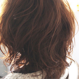 ミディアム 小顔 大人かわいい フェミニン ヘアスタイルや髪型の写真・画像