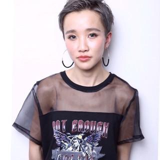 ハイトーン 外国人風 アッシュ 大人女子 ヘアスタイルや髪型の写真・画像 ヘアスタイルや髪型の写真・画像