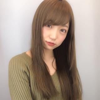 デート ストレート ナチュラル 大人かわいい ヘアスタイルや髪型の写真・画像 ヘアスタイルや髪型の写真・画像
