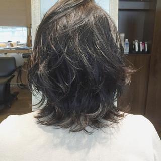 ミディアム ゆるふわ レイヤーカット ストリート ヘアスタイルや髪型の写真・画像