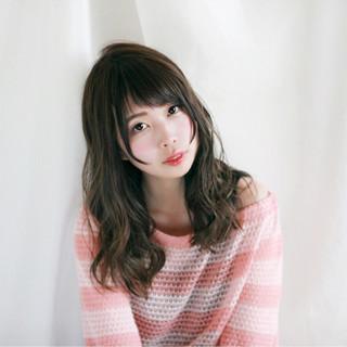 外国人風カラー 夏 フェミニン ゆるふわ ヘアスタイルや髪型の写真・画像