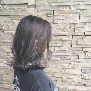 グレージュ アンニュイ ウェーブ ボブ ヘアスタイルや髪型の写真・画像