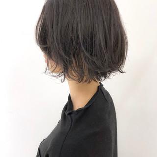 透明感 外ハネ 大人かわいい ナチュラル ヘアスタイルや髪型の写真・画像