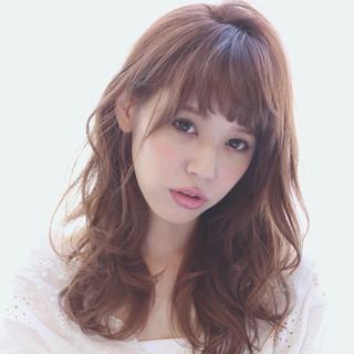 斜め前髪 デート ロング フェミニン ヘアスタイルや髪型の写真・画像