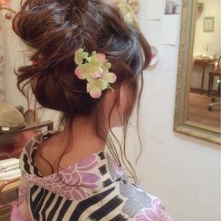大人かわいい ショート ゆるふわ 簡単ヘアアレンジ ヘアスタイルや髪型の写真・画像