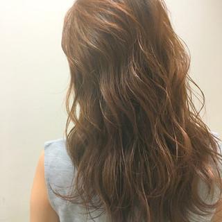 くせ毛風 ハイライト 波ウェーブ ストリート ヘアスタイルや髪型の写真・画像