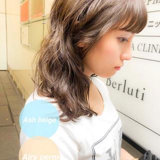 パーマ フェミニン 前髪パーマ セミロング ヘアスタイルや髪型の写真・画像
