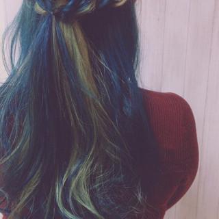 エレガント ポイントカラー 簡単ヘアアレンジ インナーブルー ヘアスタイルや髪型の写真・画像