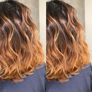 ミディアム ストリート アウトドア ヘアアレンジ ヘアスタイルや髪型の写真・画像