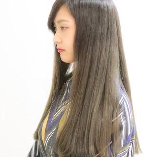 ガーリー 外国人風カラー ロング グレージュ ヘアスタイルや髪型の写真・画像