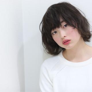パーマ ナチュラル 簡単 レイヤーカット ヘアスタイルや髪型の写真・画像