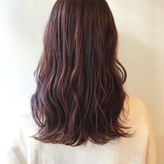 レッドカラー レッドブラウン ナチュラル セミロング ヘアスタイルや髪型の写真・画像