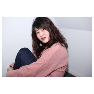 ウェーブ セミロング デジタルパーマ パーマ ヘアスタイルや髪型の写真・画像