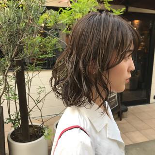 ミディアム ナチュラル 小顔ショート くびれボブ ヘアスタイルや髪型の写真・画像