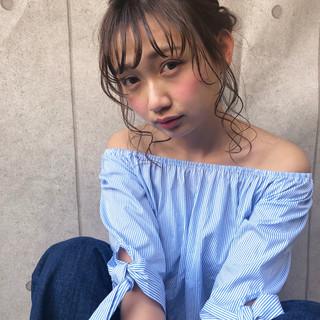 ヘアアレンジ ナチュラル アンニュイ 大人かわいい ヘアスタイルや髪型の写真・画像