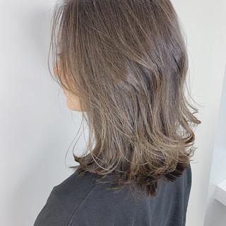 バレイヤージュ ミディアム 透明感カラー 大人かわいい ヘアスタイルや髪型の写真・画像