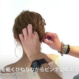 簡単ヘアアレンジ オフィス セミロング ショート ヘアスタイルや髪型の写真・画像