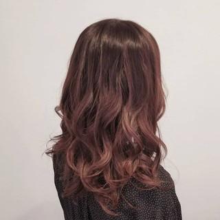 バレイヤージュ 艶髪 デート グラデーションカラー ヘアスタイルや髪型の写真・画像