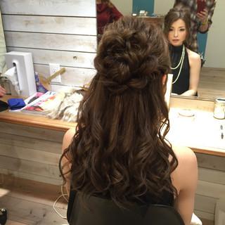 ねじり 編み込み ハーフアップ 大人かわいい ヘアスタイルや髪型の写真・画像