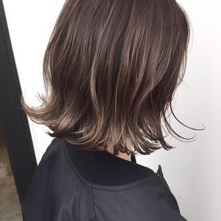グレージュ ナチュラル ハイライト 似合わせ ヘアスタイルや髪型の写真・画像
