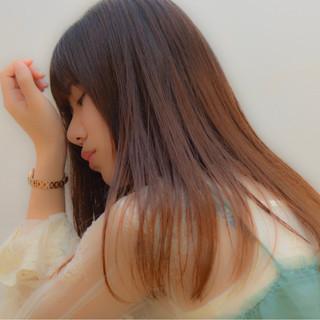 秋 グレージュ ガーリー 透明感 ヘアスタイルや髪型の写真・画像
