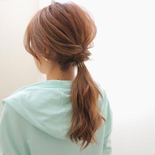 ローポニーテール ヘアアレンジ ロング 簡単 ヘアスタイルや髪型の写真・画像 ヘアスタイルや髪型の写真・画像